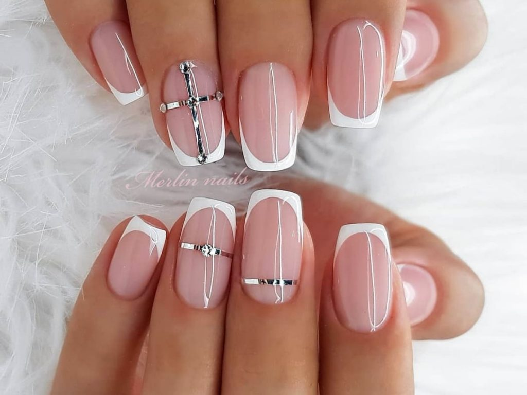 20 Beautiful Wedding Nails You Ll Love Smartest Brides
