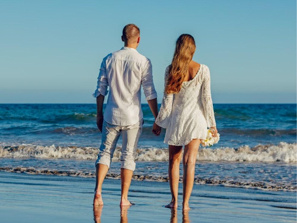 Beach Wedding Attire What To Wear Smartest Brides